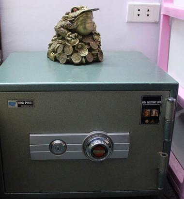 Giúp bạn đặt két sắt giữ được tiền lâu hơn