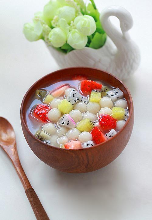 Làm chè hoa quả trân châu thanh mát
