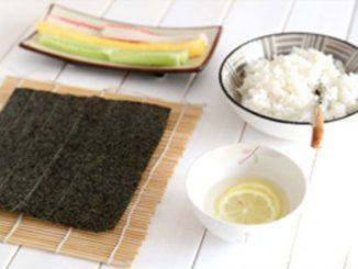 Cách làm cơm cuộn ngon miệng đẹp mắt 11