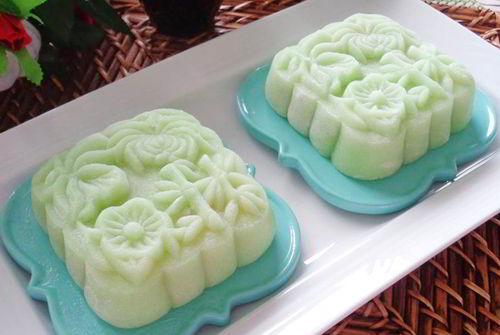 Cách làm bánh dẻo lá dứa nhân đậu xanh đón Trung thu