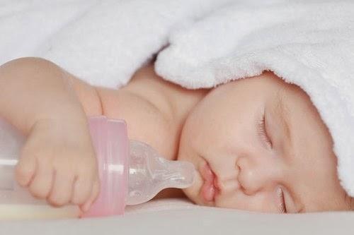 Bí quyết chăm sóc trẻ sơ sinh cho bà mẹ lần đầu có em bé