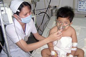 Trẻ ho khò khè kéo dài nên đi khám suyễn 5