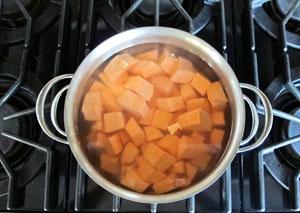 Làm sao để Bánh khoai lang mix dừa nạo thơm lừng 10