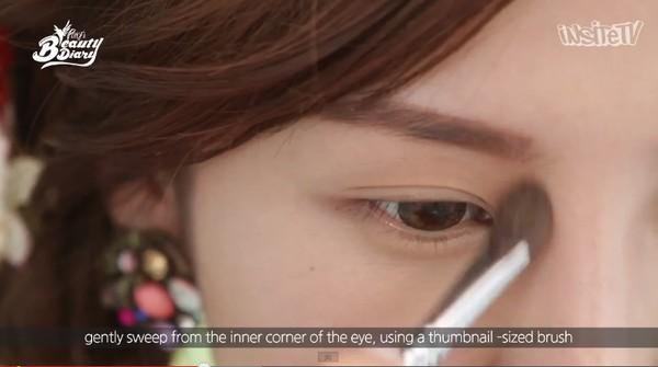Các bước trang điểm cho khuôn mặt đẹp tự nhiên