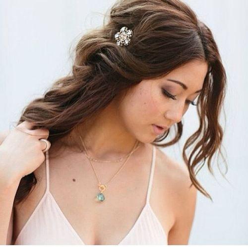 20 cảm hứng tóc cô dâu tuyệt xinh với phụ kiện