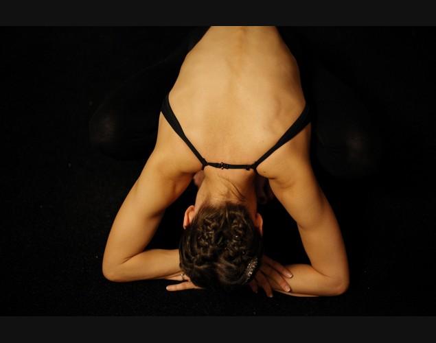 Những tư thế yoga khó tập nhưng... cực tốt