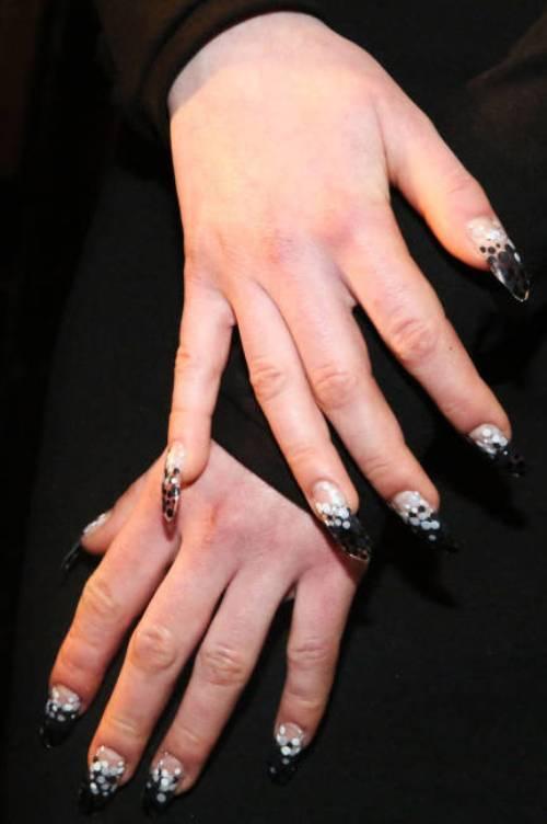 Những mẫu nail đẹp nghệ thuật thời thượng mùa thu 2013