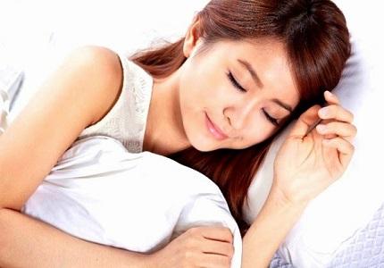 7 việc bạn nên làm vào buổi tối để vừa ngủ vừa giảm cân