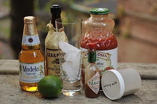 Bốn công thức pha chế cocktail ngon ngày hè