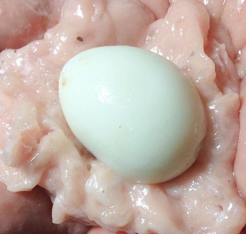 Cách làm thịt mọc bọc trứng cút kho nước dừa cho cả nhà