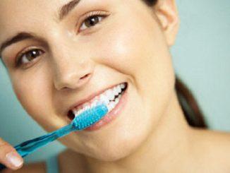 Mẹo làm trắng răng cấp tốc ngay tại nhà cực đơn giản 2