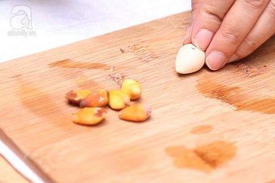 Nấu chè bạch quả đu đủ bồi bổ sức khỏe cả nhà