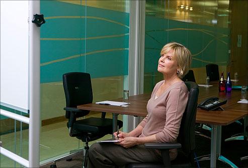 9 cách để bạn vừa ngồi làm việc vừa giảm cân