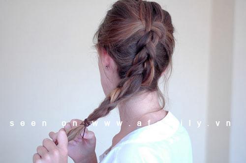 Cách tự tết tóc đuôi sam kiểu Hà Lan