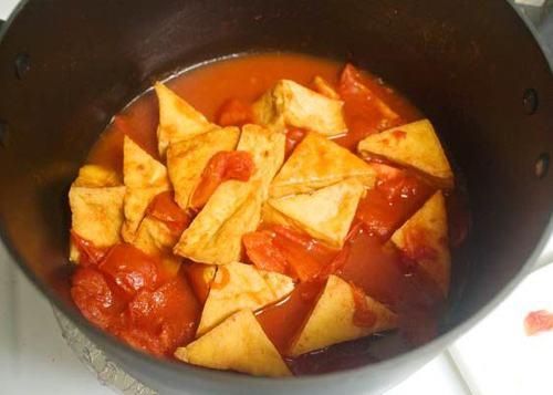 Cách làm đậu phụ sốt cà chua dân dã mà ngon cơm
