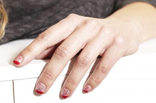 Kiểu nail đẹp mùa xuân cho móng tay ngắn