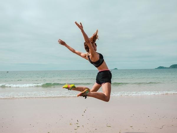5 bài tập thể dục giúp cải thiện vòng 1 khiêm tốn