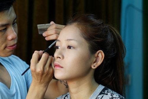Học cách trang điểm tự nhiên như hot girl Chi Pu