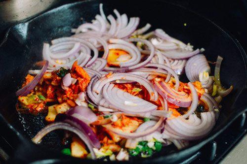 Kim chi nướng pho mát, khoai tây lạ miệng bữa cơm chiều tối