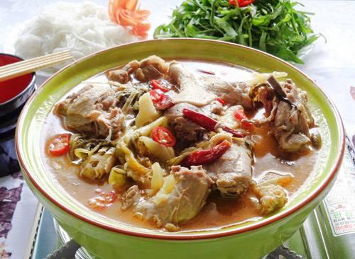 Cách làm lẩu vịt cay cay ăn ngay cho nóng