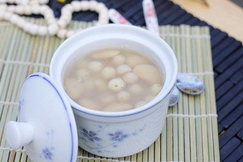 Những cách nấu chè hạt sen ngon tuyệt cho cuối tuần
