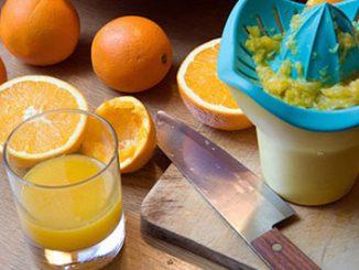 Làm sao để pha nước cam không bị đắng 1