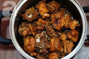 Sườn kho nước dừa đậm đà, dễ nấu ai ăn cũng khen