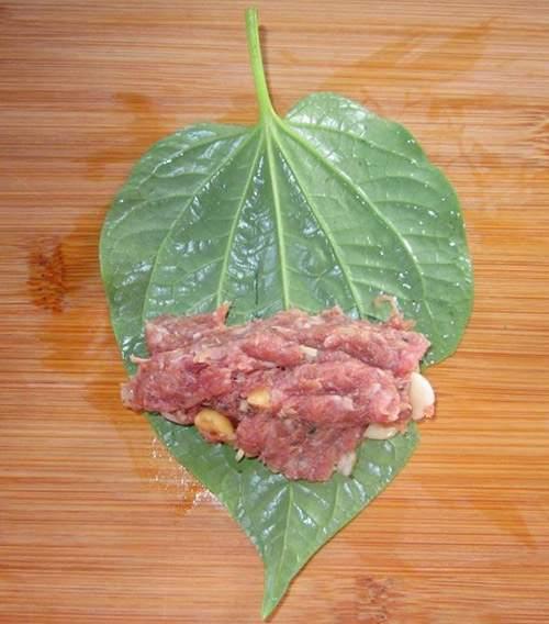 Thịt heo nướng lá lốt thơm lừng cho ngày se lạnh