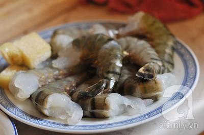 Cách làm tôm xóc muối đậm đà lạ miệng cho bữa tối