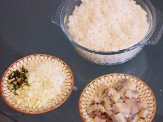 Trổ tài làm cơm chiên cá ngon đúng điệu cho cuối tuần 13